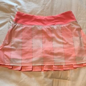 Lululemon pacesetter skirt, excellent condition